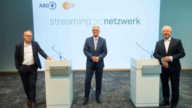 SWR-Intendant Prof. Kai Gniffke, ZDF-Intendant Dr. Thomas Bellut und ARD-Vorsitzender Tom Buhrow Copyright: ZDF/Ralph Orlowski